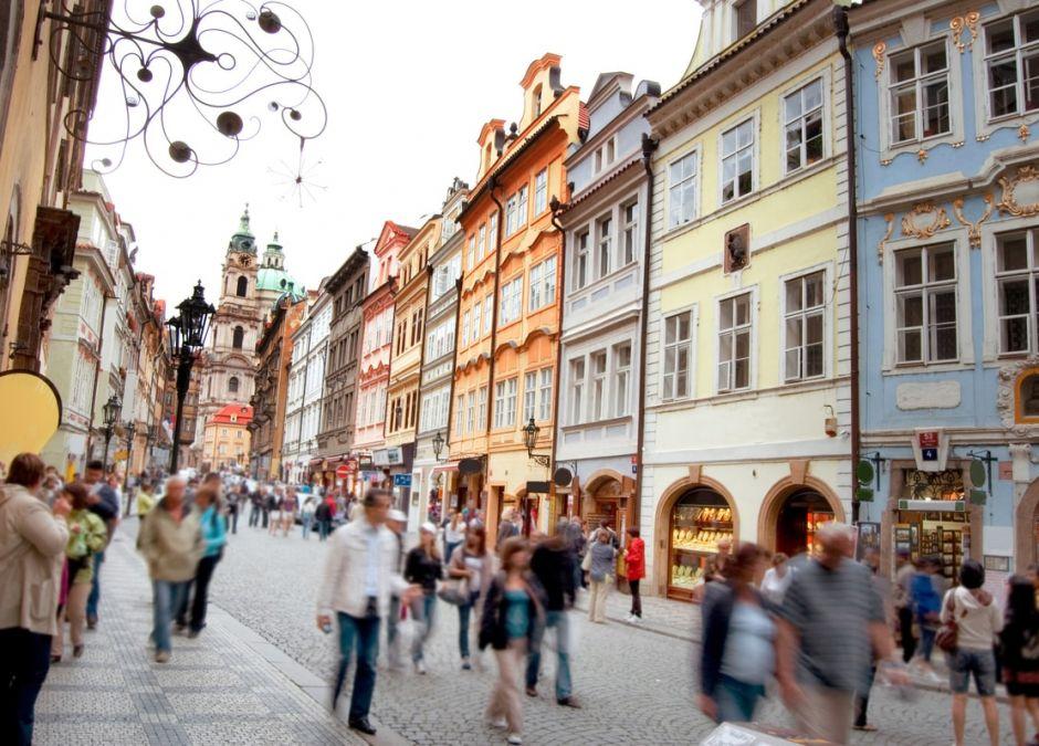 koronawirus: połowa Polaków nie przestrzega zasad kwarantanny?