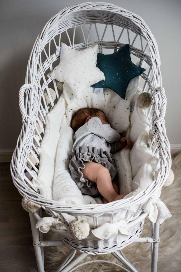 kosz mojżesza dla niemowlęcia wiklinowy.jpg