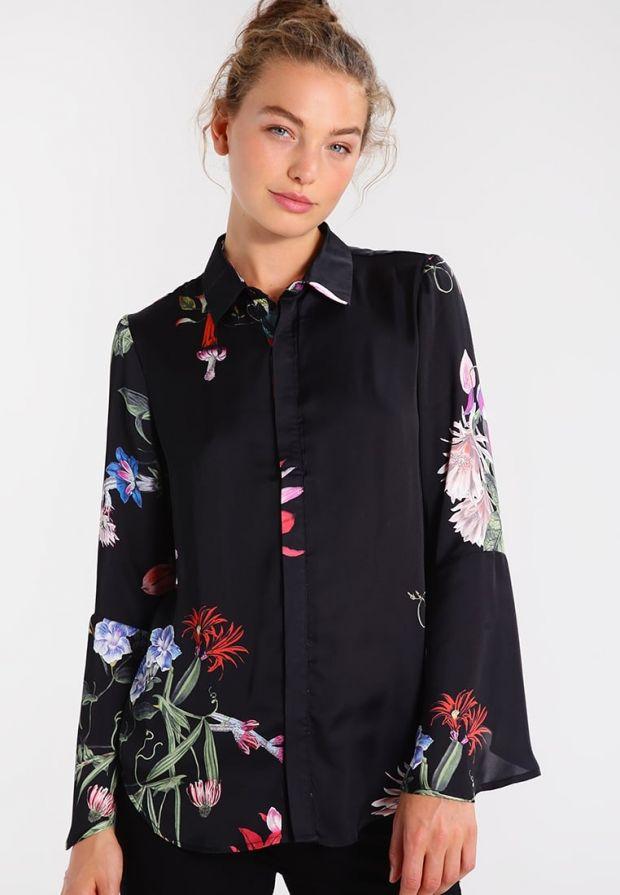 Czarna koszula w kolorowe kwiaty dla mamy
