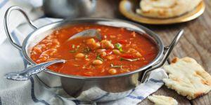 krem z pomidorów i cieciorki