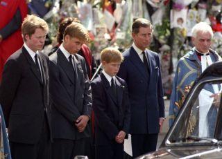 Książę William i książę Harry na pogrzebie księżnej Diany