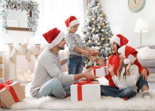 kto przynosi prezenty