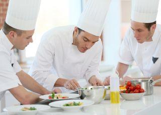 Kucharze, gotowanie, posiłki, catering dietetyczny