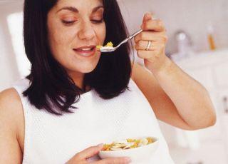 kuchnia, ciąża, kobieta, mama, jedzenie