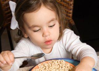 kuchnia, dziecko, śniadanie, płatki kukurydziane