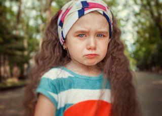 Zgotowali koszmar temu dziecku! Przerażoną 4-latkę zabrała z przedszkola policja