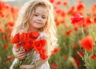 Najpiękniejsze imiona dziewczęce – inspirowane kwiatami!