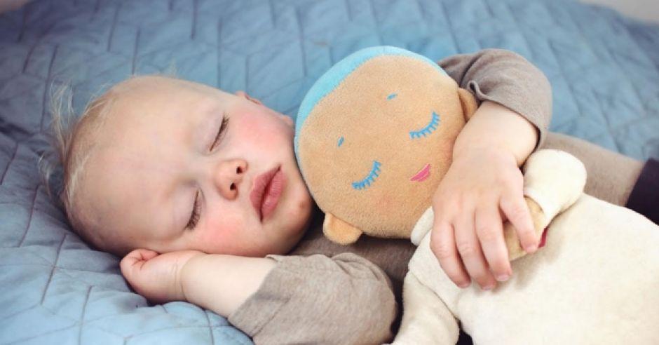 Laleczka Lulla imituje bicie serca mamy i pomaga dzieciom zasnąć