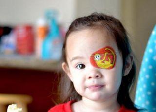Layla i jej plaster na oku