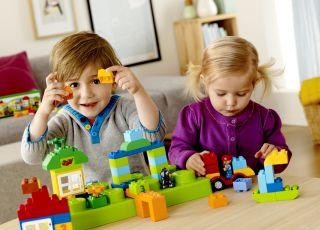 6 pomysłów na domowe, kreatywne zabawy z dzieckiem