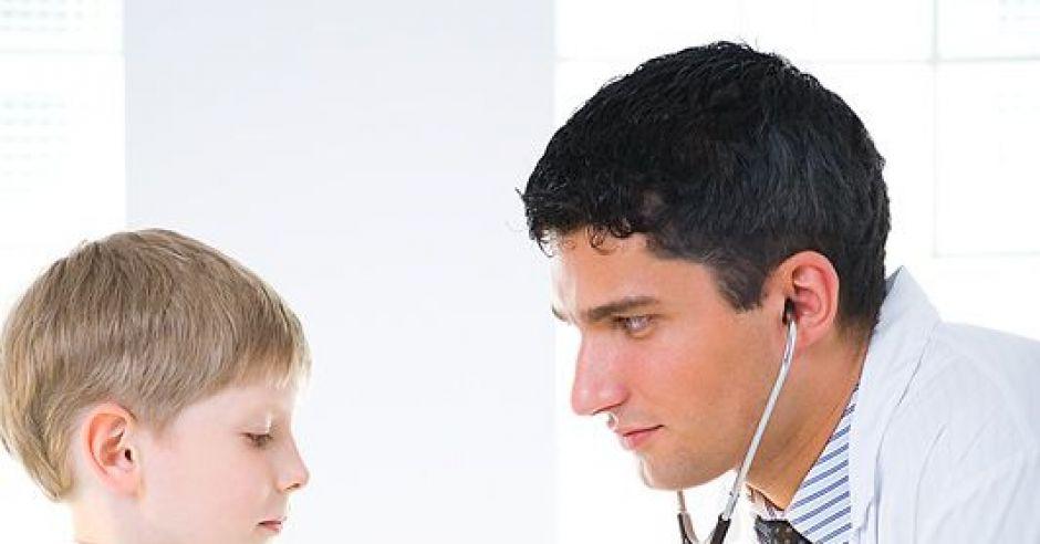 lekarz, dziecko, badanie, chłopiec, przedszkolak