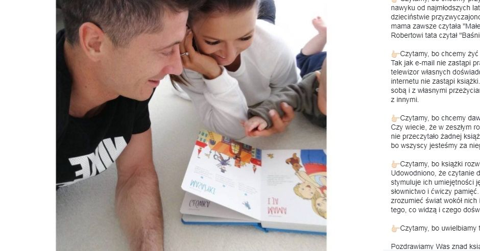 Lewandowscy czytają książkę córce Klarze