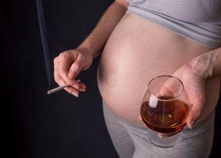 ludzie nie reagują na pijące kobiety w ciąży