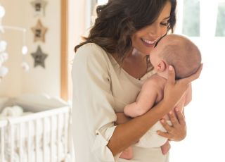macierzyństwo, mama z dzieckiem, niemowlę