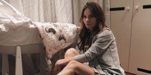 Maja Bohosiewicz przy łóżeczku córki