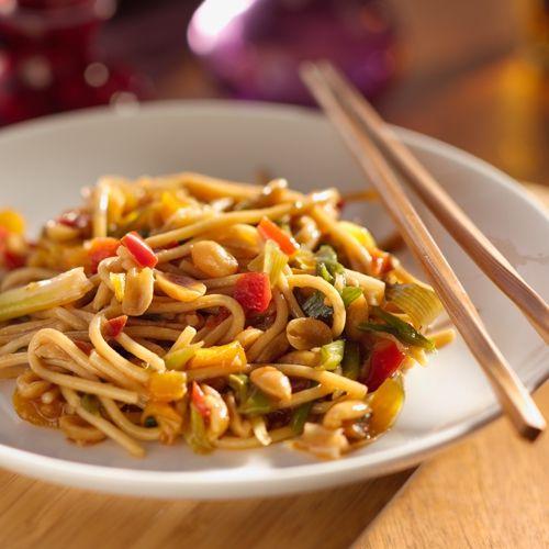 makaron z selerem, spagetti z warzywami, przepis na selera, przepis na spagetti