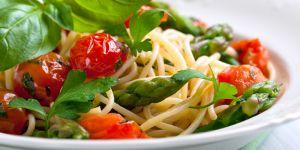 makaron ze szparagami, przepis na makaron ze szparagami, przepis kulinarny, makaron z warzywami