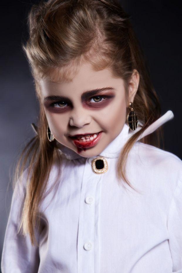 makijaż na halloween dla dziecka wampir dracula