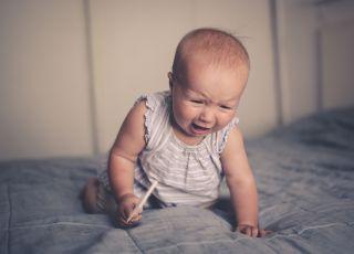 Male dziecko, które płacze