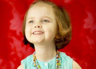 maluch, dziewczynka, korale