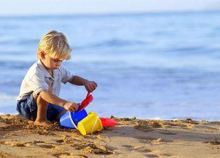 maluch, zabawa, plaża, morze