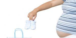 mama, brzuszek ,ciąża, zakupy, buciki