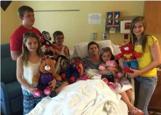 mama chora na raka zostawia 6. dzieci przyjaciółce
