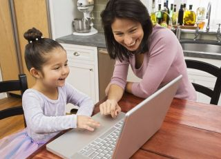 mama, dziecko, dziewczynka, komputer, edukacja