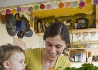 mama, dziecko, kuchnia, warzywa, karmienie, zdrowe odżywianie