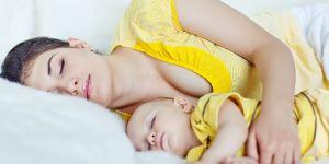 mama dziecko sen