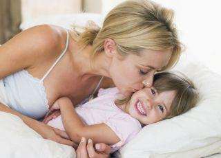 mama, dziecko, śmiech, zabawa