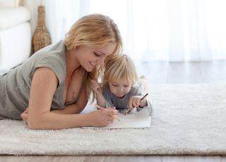 mama, dziecko, zabawa, rysowanie