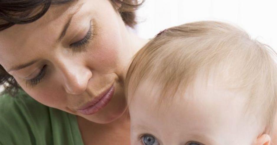 mama, dziecko, zdrowie, witaminy. łyżeczka