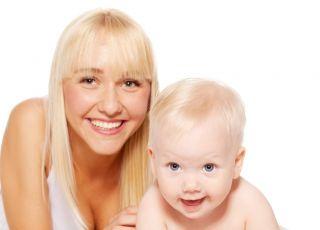 mama i dziecko w pieluszce