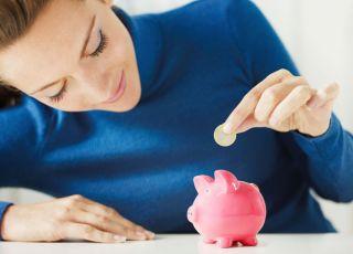 mama, kobieta, skarbonka, oszczędzanie, świnka, pieniądze
