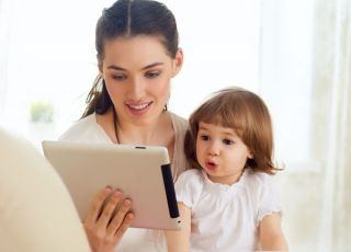 Mama, komputer i dziecko