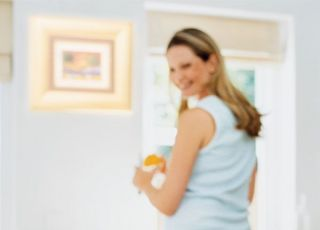 mama, kuchnia, karmienie, niemowlę, fotelik