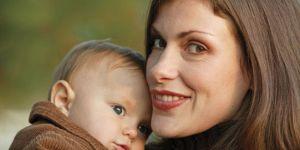 mama, niemowlę, jesień