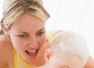 mama, niemowlę, kąpiel, pielęgnacja