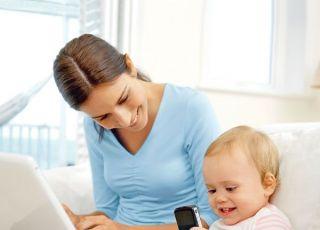 mama, niemowlę, komputer, telefon