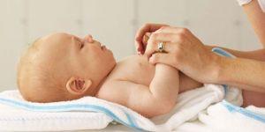 mama, niemowlę, pielęgnacja ciała