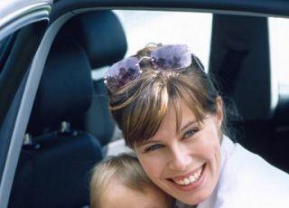 mama, niemowlę, podróż, samochód