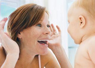mama, niemowlę, śmiech