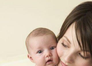 mama, niemowlę, tulić