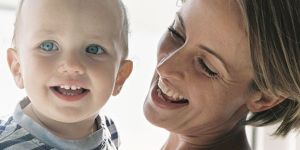 mama, niemowlę, uśmiech