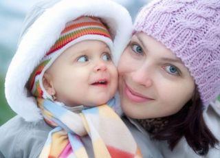 mama, niemowlę, zima