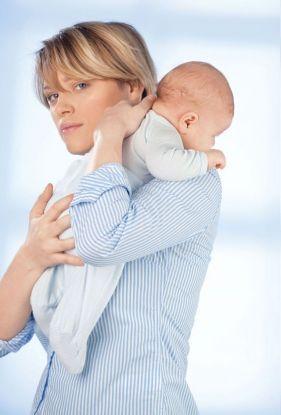 jak podnosić niemowlaka do odbicia