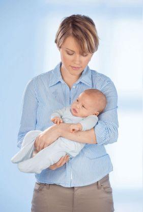 jak trzymać dziecko żeby mu się odbiło zdjęcie