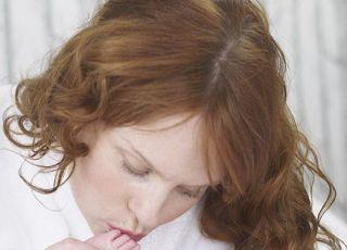 mama, noworodek, całować, łóżko