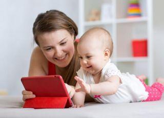 Mama publikuje zdjęcie dziecka na Facebooku